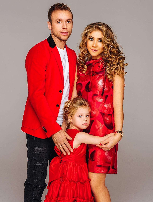 Denis Glushakov with family